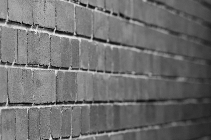 wall-315943_1280