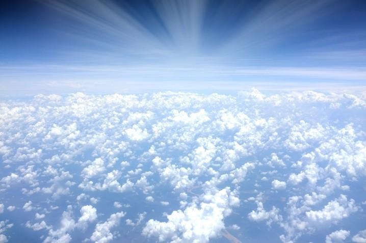 clouds-918654_1280